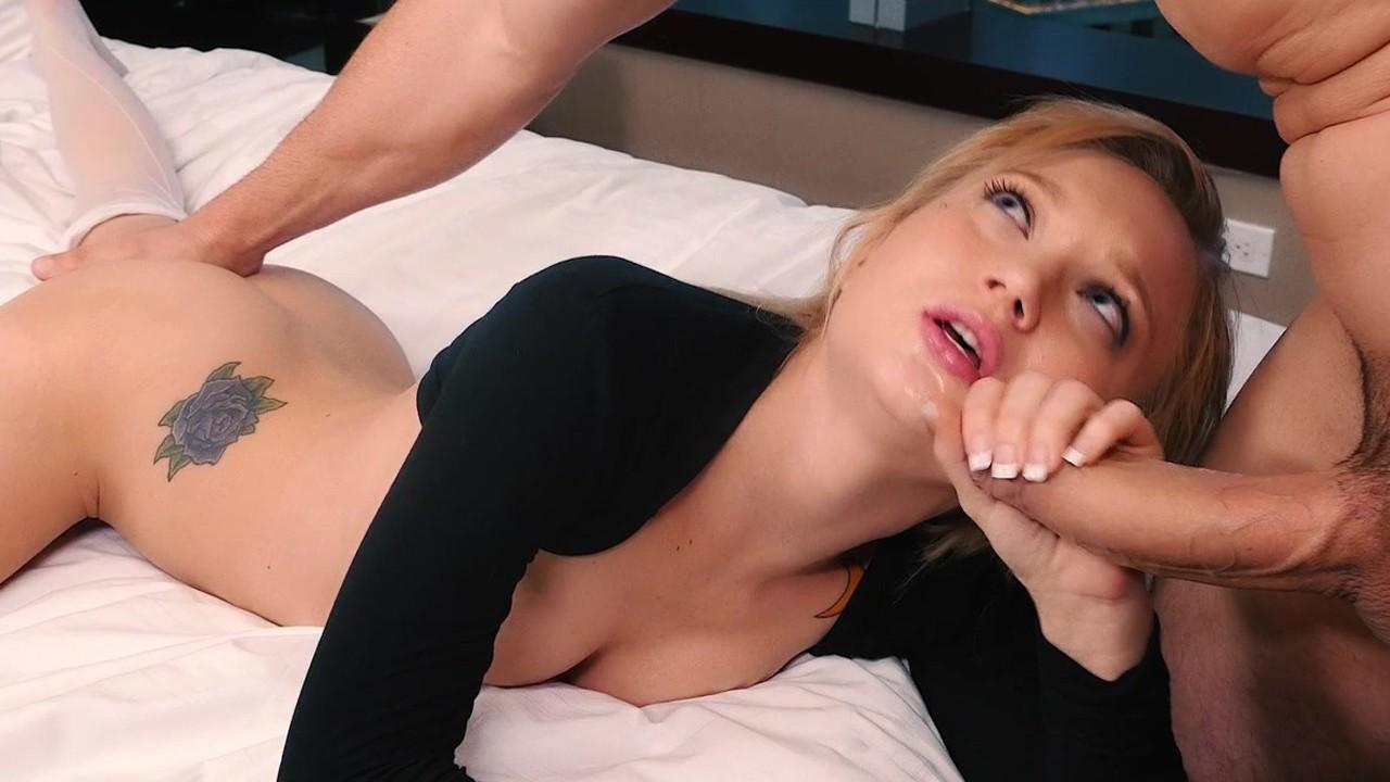 Врач воткнул в пердак курить порно