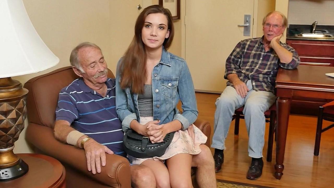 Фото как старики трахаются с молодой, порно лесбиянки трутся клиторами друг об друга