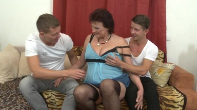 Бесплатное порно видео с бабулями